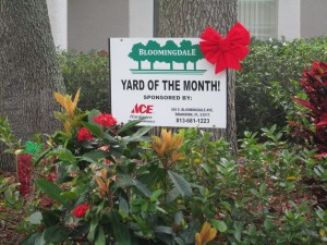 Membership-Yard of the Month sign